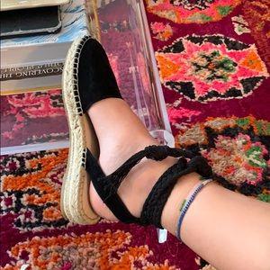 Steve Madden Black Suede Espadrilles Flat Sandals